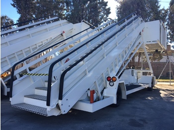 Ground support equipment JBT Passenger Stairs Smart Step: picture 1