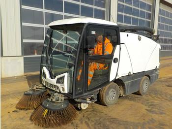 Sweeper 2014 Johnston CX201