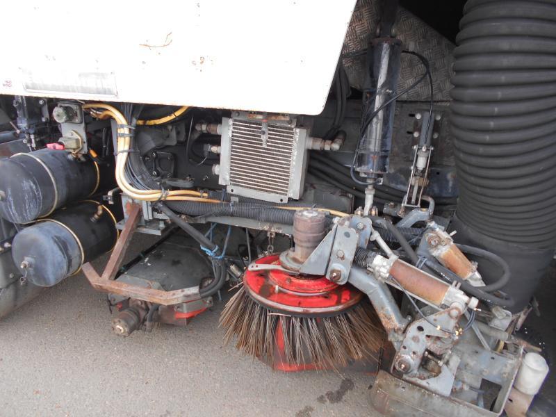 sweeper Renault Midlum 210