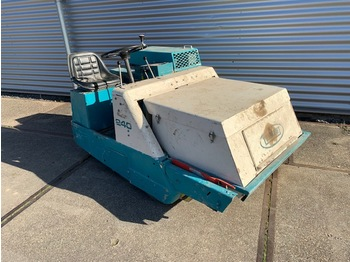 Tennant Power Sweeper 240 Zelfrijdende Veegmachine - مكنسة كهربائية