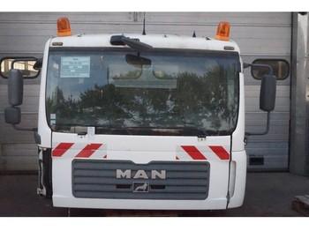 MAN F99L17 TGA - kabina/ časti karoserie