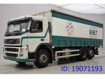 Plachtový nákladní auto Volvo FM12. 380