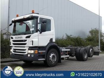 Podvozek s kabinou Scania P360 6x2*4,pto/pump