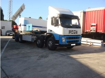 VOLVO FM 380 left hand drive 8X2 - podvozek s kabinou