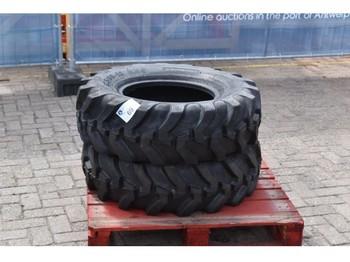 MEGAGLOBE Tyre set 12.5/80-18 NHS - banden