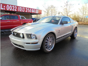 Car Ford Mustang GT