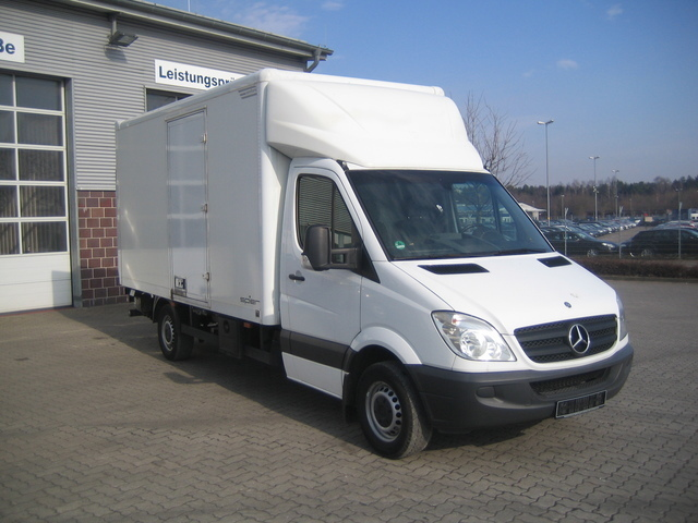 mercedes benz sprinter 313 cdi koffer lbw seitliche t r car from germany for sale at truck1. Black Bedroom Furniture Sets. Home Design Ideas