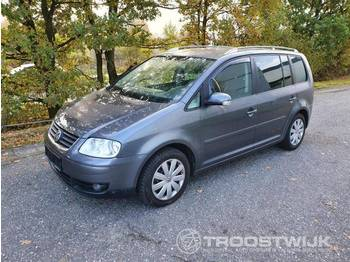 VW Touran - car