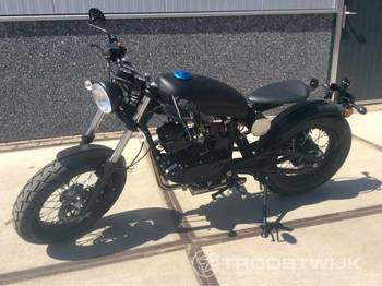 Pioneer Cafe Racer GS-125 - motorcykel