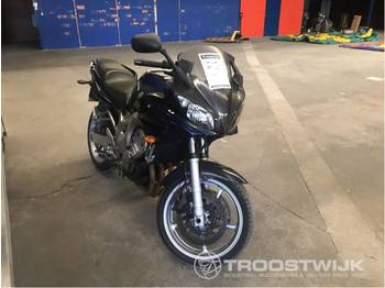 Yamaha Fazer - motorcykel