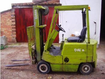 Clark H500 - Y30. Diesel - pajisje për trajtimin e materialeve