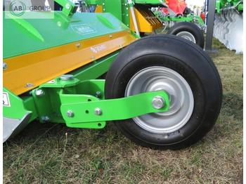 Bomet Schlegelmäher 1,4m/flail mower with wheels and knives/Косилка 1,4 м - baštenska kosačica