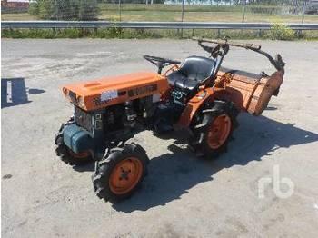 KUBOTA B6000 4WD - mini traktor