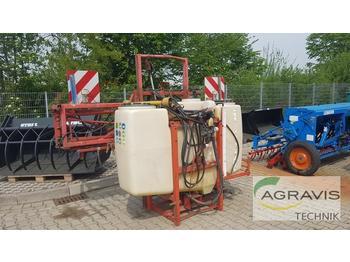 Traktorilt tõusev pritsija Rau D 2 1000 15 M