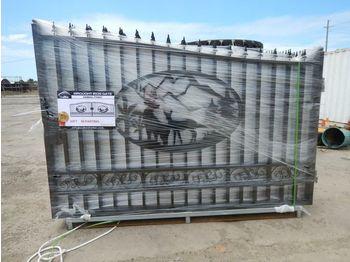 Põllutööseade Unused 14' Wrought Iron Gates (2 of) c/w Animal Design