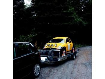 Ifor Williams CT136 - přívěs na přepravu automobilů