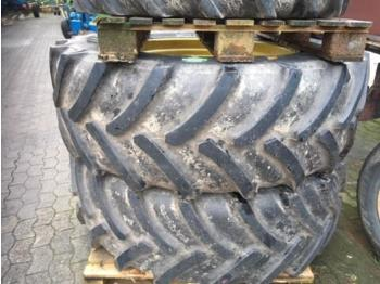 Goodyear 420/70R28 520/70R38 - gume