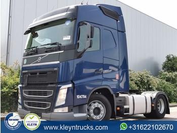Sadulveok Volvo FH 460 2x tank 2x bed veb+