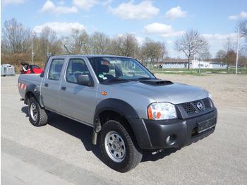 Pick-up Nissan Navara NP300 2.5 D 4x4: zdjęcie 1