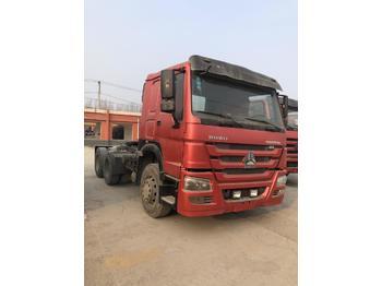 SINOTRUK Sinotruk Truck - Sattelzugmaschine