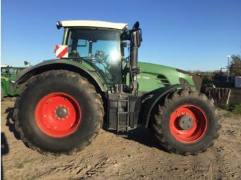 Колёсный трактор Fendt 933
