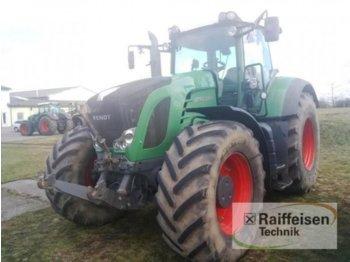 Колёсный трактор Fendt 933 Vario