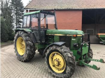 John Deere 3040 - колёсный трактор
