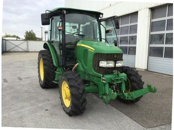 John Deere 5090R - колёсный трактор