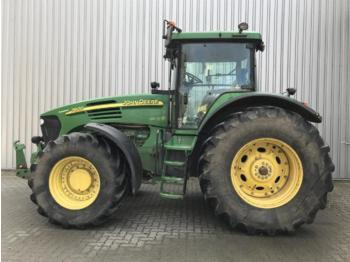 Колёсный трактор John Deere 7920
