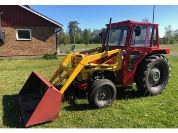Massey Ferguson 135  - колёсный трактор