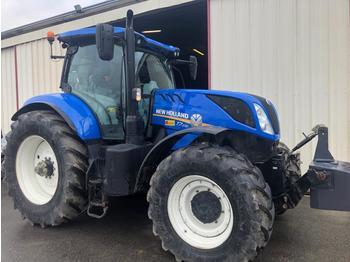 Колёсный трактор New Holland T230