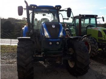 Колёсный трактор New Holland T7 175