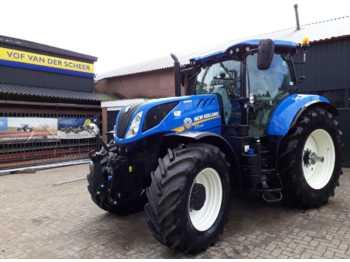 Колёсный трактор New Holland T7.230 Auto Command