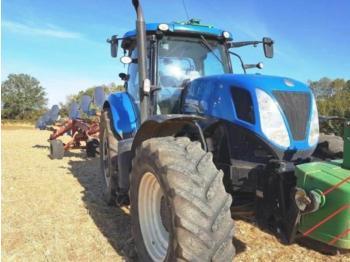 Колёсный трактор New Holland T7.235