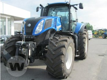 Колёсный трактор New Holland T 8.360
