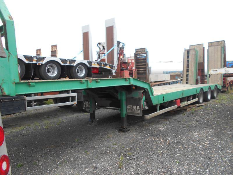 low loader semi-trailer Castera