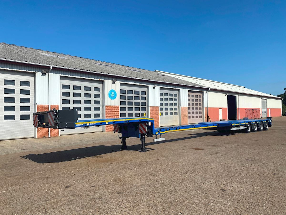 low loader semi-trailer Goldhofer STN-L 4 A F2