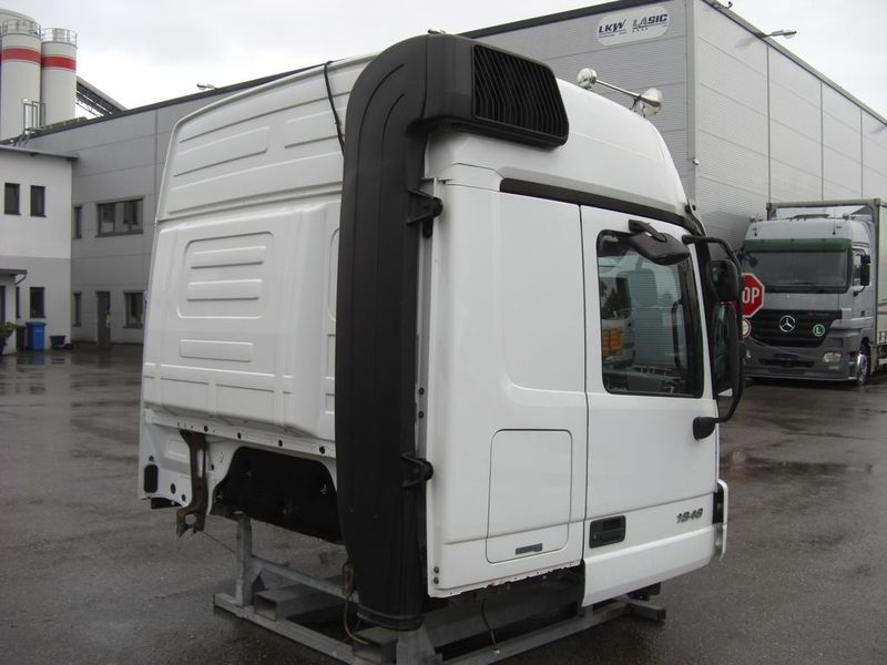 Mercedes benz actros mp2 megaspace komplett cab for sale for Mercedes benz truck parts