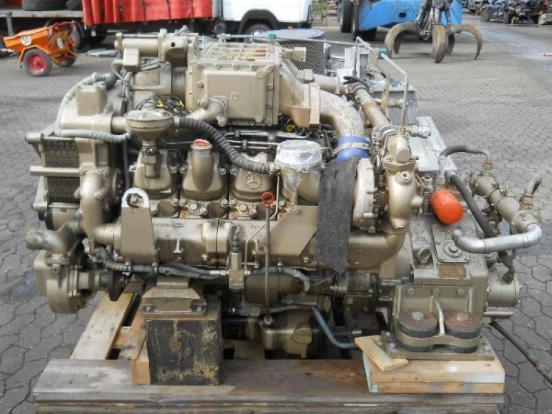 Mercedes benz mtu om442la om 442 la 8v183te92 8 v for Mercedes benz marine engines