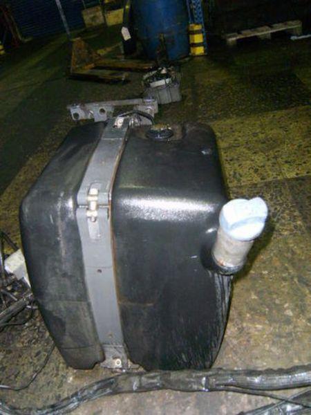 Mercedes benz tank adblue fuel processing fuel delivery for Mercedes benz fuel tank