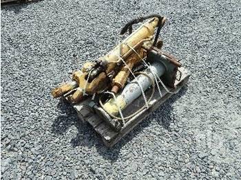Qty Of 4 - hydraulic cylinder