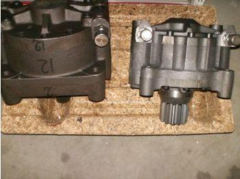 Hydraulic motor ZWENKMOTOREN en tandwielen