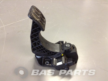 RENAULT Accelarator pedal 7484424567 - pedal