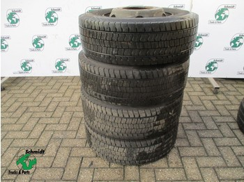 Goodyear 254/70R17,5 TUBELESS BANDEN - tires