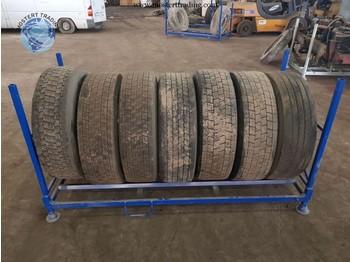 Michelin 315/70 R22.5 - tires