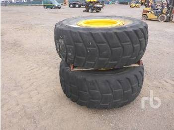 Wheels/ tires Qty of 8 complete Wheel Loader Tyre
