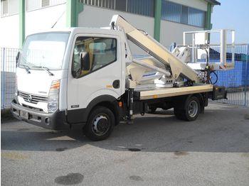 NISSAN  - грузовик с подъемником