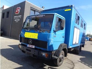 Állatszállító teherautó Mercedes-Benz 914