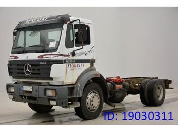 Alvaz teherautó Mercedes-Benz SK 1824