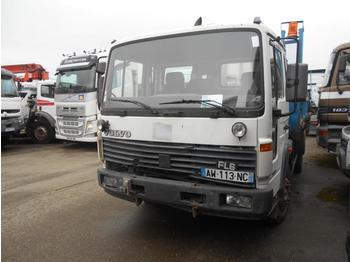 Volvo FL6 12 - billenőplatós teherautó